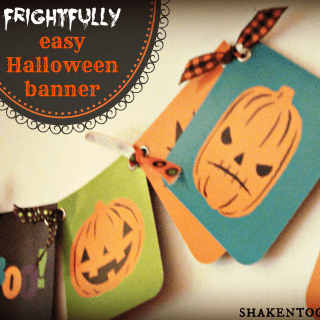 frightfully easy Halloween banner at shakentogetherlife.com