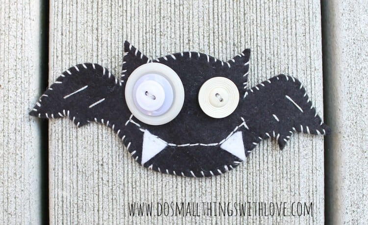 Halloween felt-bat-broach-1-750x459