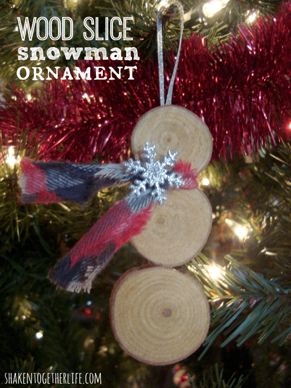 Easy wood slice snowman ornament at shakentogetherlife.com