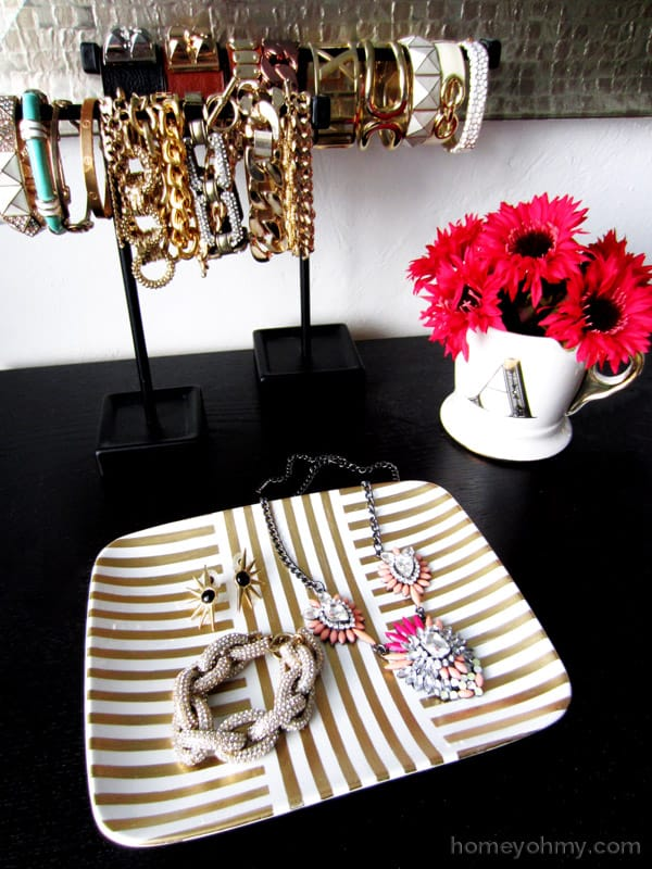 Gold leaf jewelry tray Pretty DIY home decor idea!