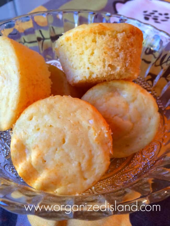 Simple pineapple muffins