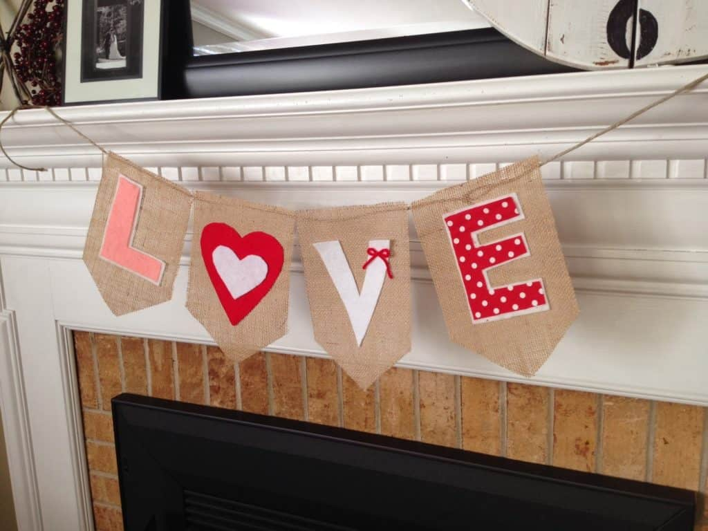 No Sew Valentine Banner