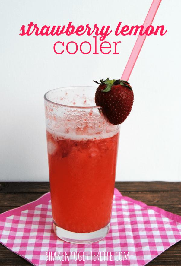 Skinny strawberry lemon cooler - fresh, fruity and fizzy!