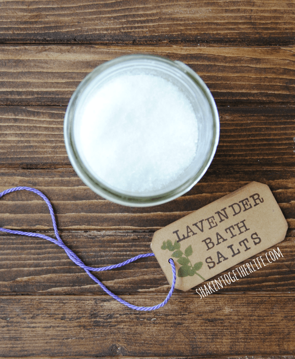 Relaxing lavender bath salts - easy gift!