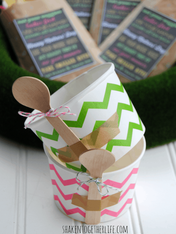 Use washi tape to attach wooden spoons to treat cups for an easy entertaining idea! Great for serving ice cream, dessert or even sides like potato or pasta salad!