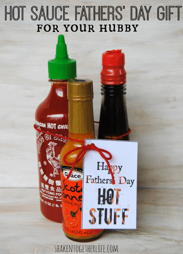 Easy, last minute Fathers' Day gift for my hubby - hot sauce with a cute printable tag!