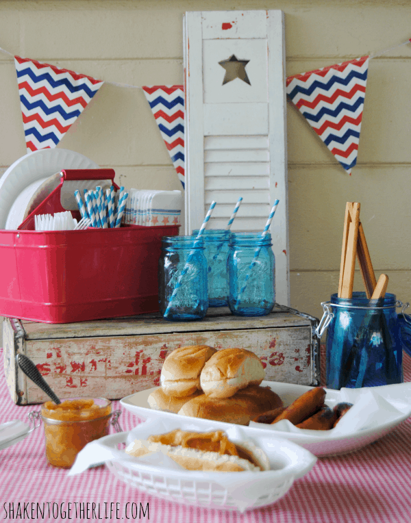 A mini, pop-up picnic with smoky bourbon sausages and tangy grilled onions!