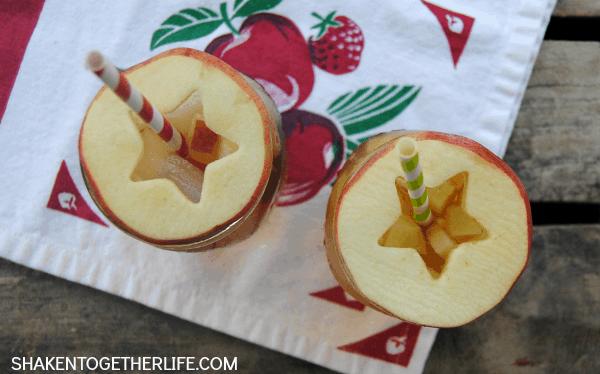 Apple sweet tea spritzerswith cute apple slice drink toppers!