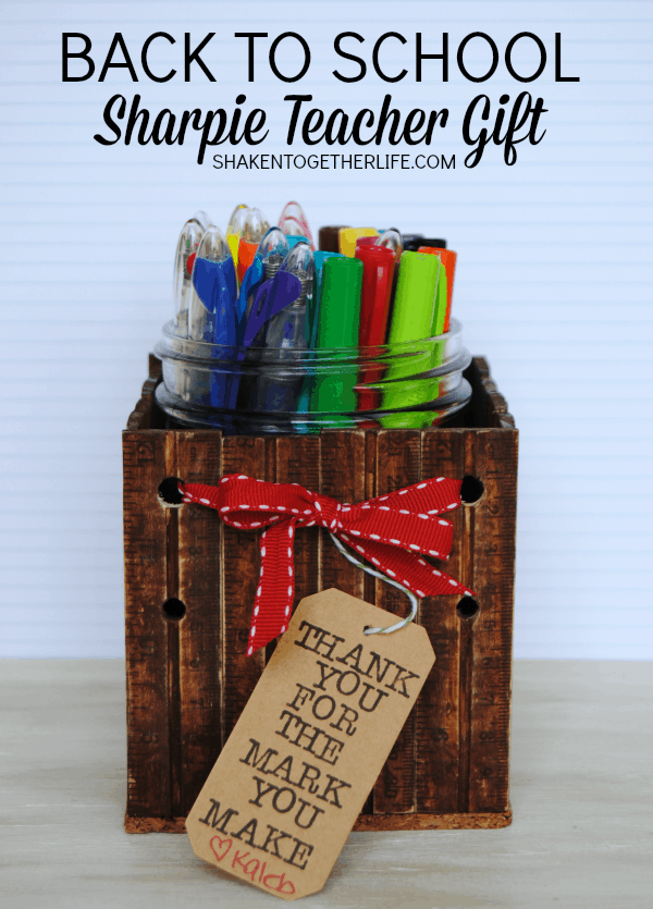 Back to School Sharpie Teacher Gift - LOVE that DIY ruler mason jar caddy & cute saying!