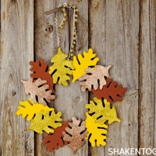 5-Minute Fall Leaf Wreath