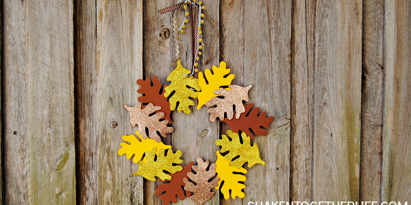 You can literally make this pretty Fall wreath in about 5 minutes and no crazy supplies!
