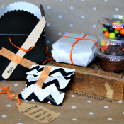 SO cute - love this little Halloween gingerbread house kit!