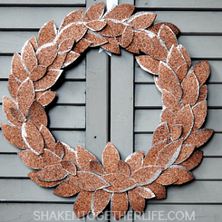 Gold Tipped Cork Leaf Wreath & 75 Fall Harvest Ideas!