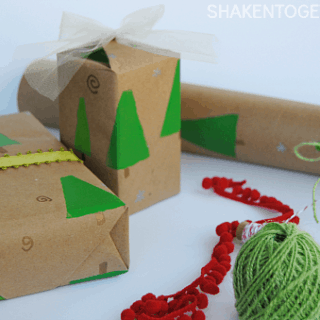 DIY Stamped Trees Gift Wrap + 24 Creative Gift Wrap Ideas!