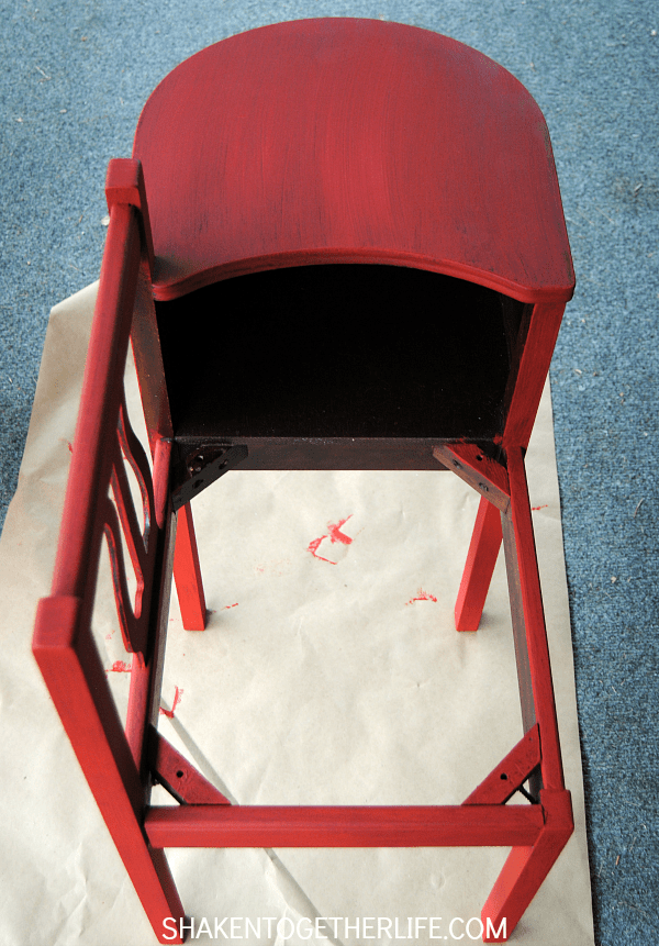 Gorgeous gossip bench makeover with Annie Sloan Chalk Paint - first coat on!