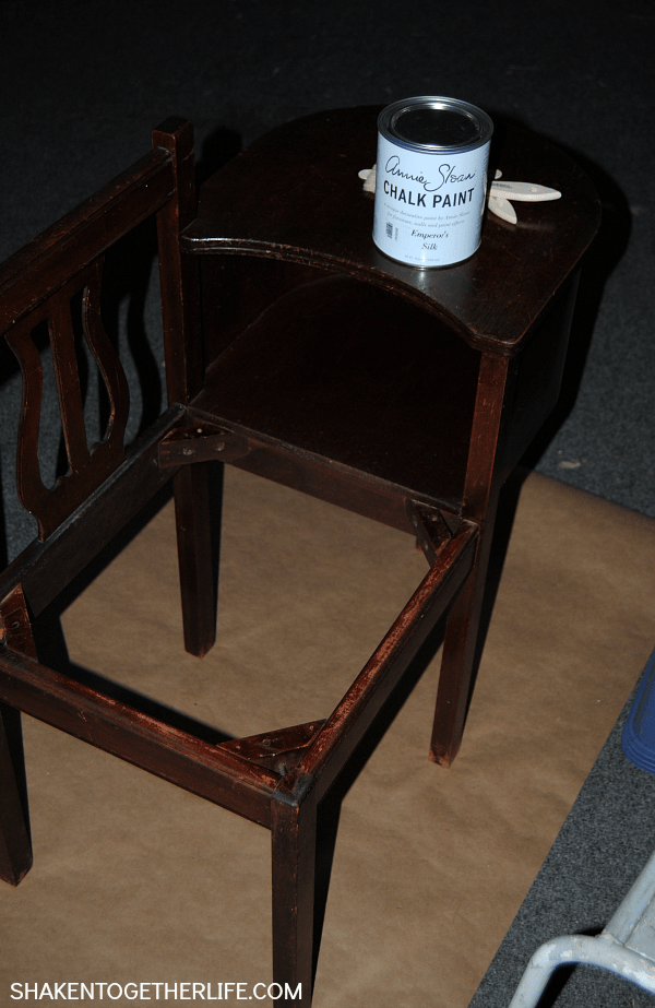 Gorgeous gossip bench makeover with Annie Sloan Chalk Paint - getting started!