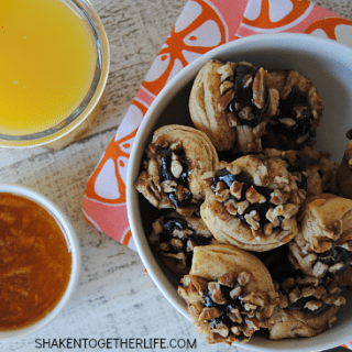 Pecan Caramel Sweet Roll Bites with Orange Marmalade Dipping Sauce - breakfast will never be the same again!