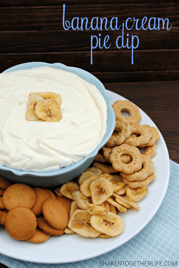 Banana Cream Pie dip - you are only 3 ingredients away from this fluffy, delicious dip! AND 7 more pie recipes to celebrate Pi Day! #piday