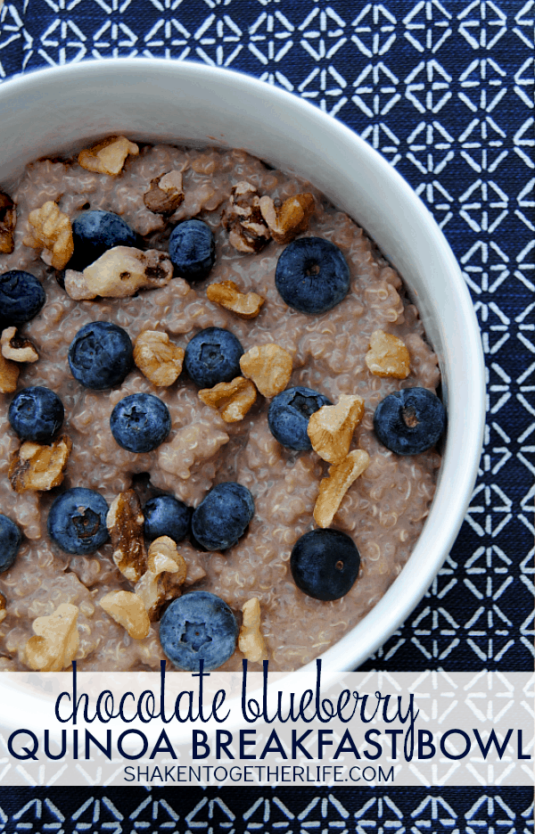 chocolate-blueberry-quinoa-breakfast-bowl-PIN