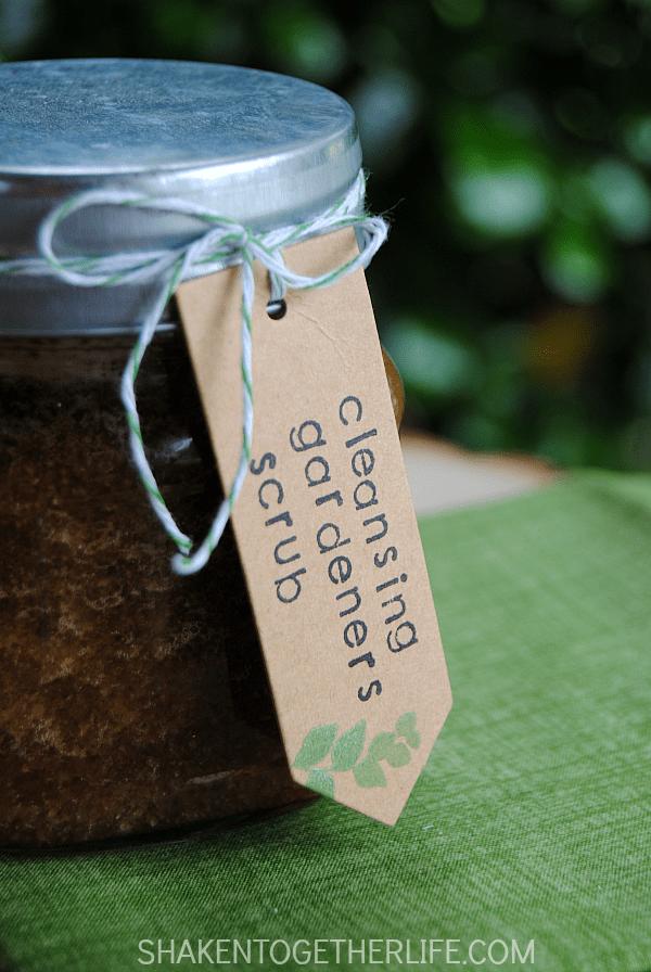 Cleansing Gardeners Scrub is an easy 2 ingredient DIY gift!