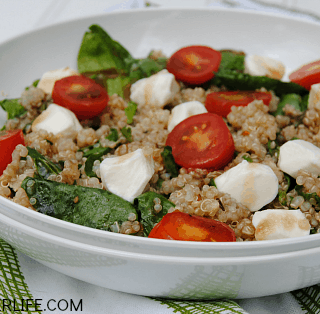 When the temperatures rise, this Spinach Caprese Quinoa Salad is a great light lunch or dinner that is packed with protein and healthy fresh vegetables!