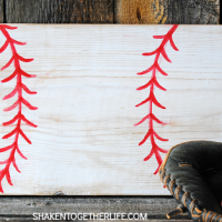Make a quick and easy wooden baseball sign for the baseball lover in your life! Great for man caves, kids' rooms and gallery walls!