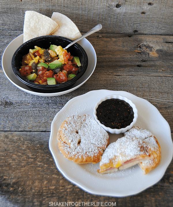 Breakfast Monte Cristos & Breakfast Burrito Bowls! Sunday brunch-worthy breakfast recipes in under 5 minutes make any busy week day feel like the weekend!