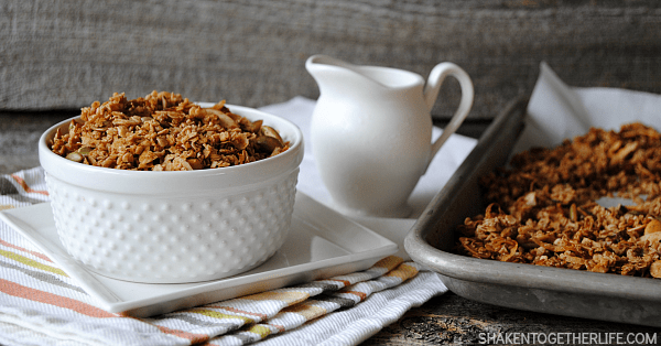 Oats, almond, coconut and pepitas (pumpkin seeds) are toasted with loads of pumpkin pie spice for the perfect breakfast cereal, topping for yogurt or on the go snack!