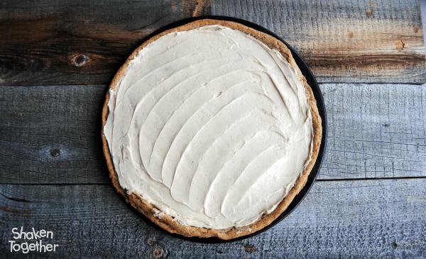 Snickerdoodle-caramel-apple-dessert-pizza-cream-cheese