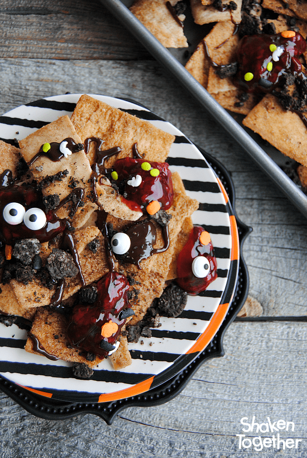 Zombie nachos halloween dessert nachos looking for an easy dessert for halloween or the walking dead party make these forumfinder