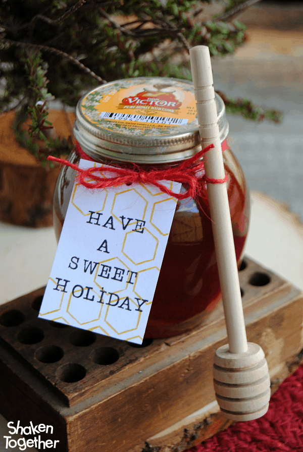 Need a holiday hostess, teacher or coworker gift? This Have a Sweet Holiday Have a Sweet Holiday honey gift is thoughtful and delicious!