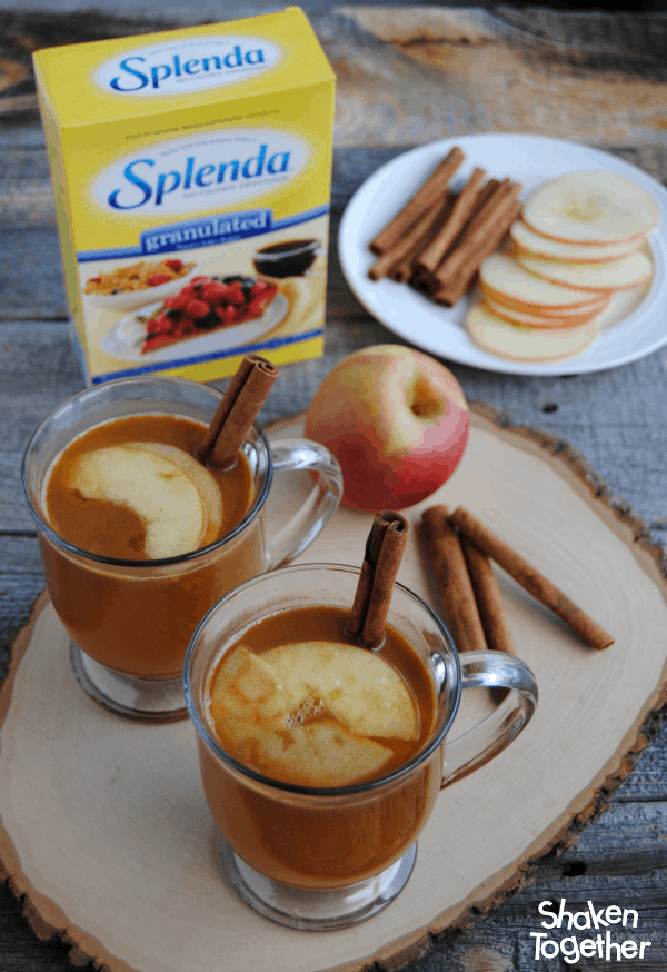 Kids of all ages can enjoy this warm and comforting non-alcoholic Apple Cider Rum Punch! It is perfect for hay rides, holiday get togethers and chilly nights around the fire! #SplendaSweeties #SweetSwaps