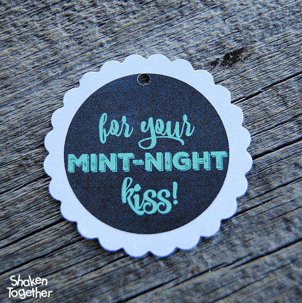 Free printable mint-night kiss tags for cute New Year's EOS gifts!