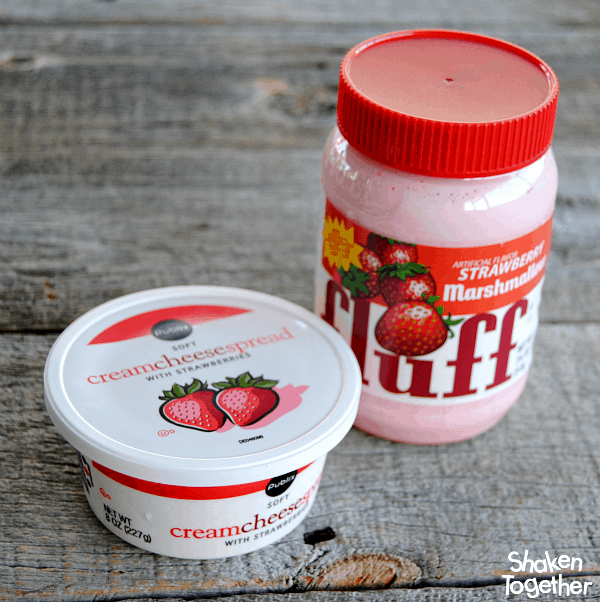 Strawberry Marshmallow Dip - sweet, fluffy and packed with strawberry flavor! Would you believe it only has 2 ingredients?!