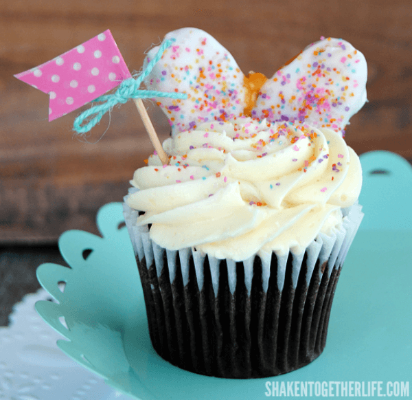 Butterfly Cupcakes aren't complete without cute little washi tape flags!