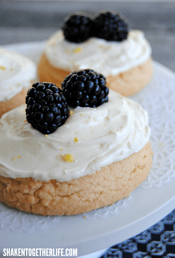 Dessert does not have to be difficult - these Lemon Cream Cheese Frosted Cookies with fresh blackberries started with cookies from my grocery store bakery!