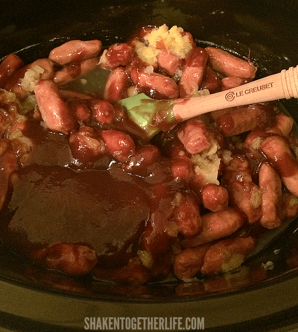 Just stir together 3 ingredients in your crock pot for these easy Crock Pot Hawaiian Lit'l Smokies!