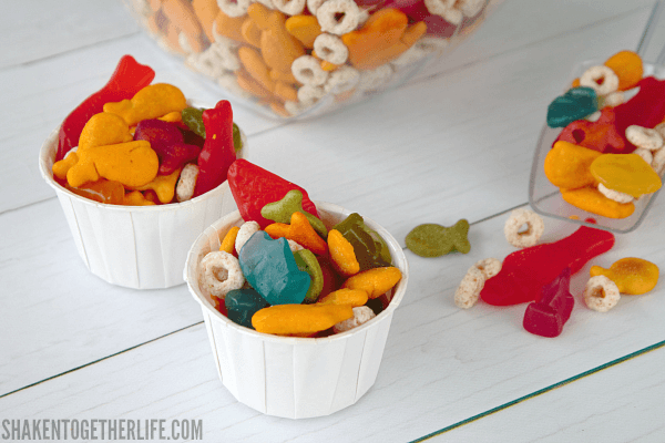 Shark Week fans, you will love this easy sweet and salty Shark Week Snack Mix! Perfect for Shark Week, a shark or ocean themed party, trip to Sea World or even a Nemo movie day!
