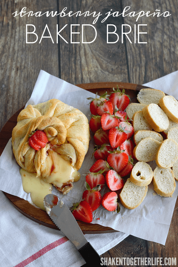 Give baked brie a little kick! Try this sweet & spicy Strawberry Jalapeño Baked Brie!