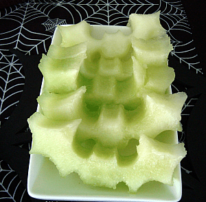 Honeydew bats are a healthy Halloween snack!