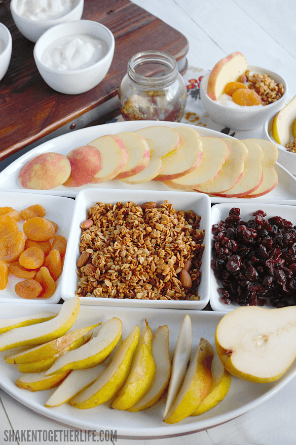 Add a Rustic Harvest Yogurt Bar to your Fall get together ... this is an easy entertaining idea that guests will love!
