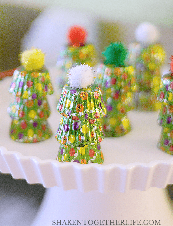 Ugly Sweater Party Favors - make simple trees with Reese's Peanut Butter Cups Miniatures and pom pom stars!