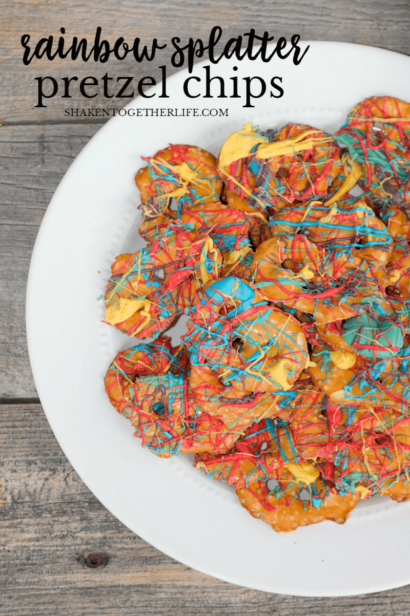 I LOVE these Rainbow Splatter Pretzel Chips! This is one of the easy ways to make rainbow pretzels!