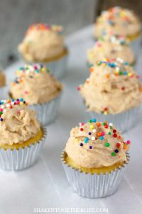 Mini Sugar Cookie Dough Frosted Cupcakes - with an eggless sugar cookie dough frosting, these cupcakes are amazing!
