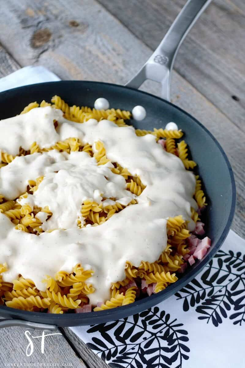 Skillet Ham & Cheese Alfredo - pour a jar of your favorite alfredo sauce right in the skillet!