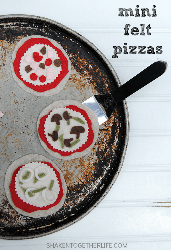 Sugar Cookie Pizza Cookies - make Mini Felt Pizzas,too!