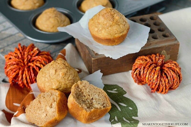 One Bowl Healthier Banana Pumpkin Muffins are a delicious, healthy Fall breakfast!