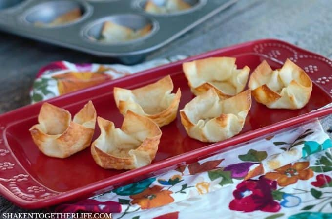 Up your appetizer game and learn how to make wonton cups! These crispy wonton cups can be stuffed with lots of different fillings for an easy appetizer!