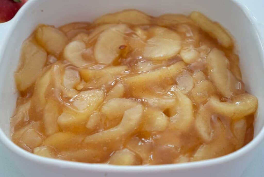 apple pie filling in white dish