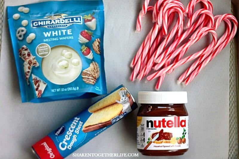 Peppermint Crunch Nutella Twists have just 4 ingredients - these little twists are almost TOO easy to make!